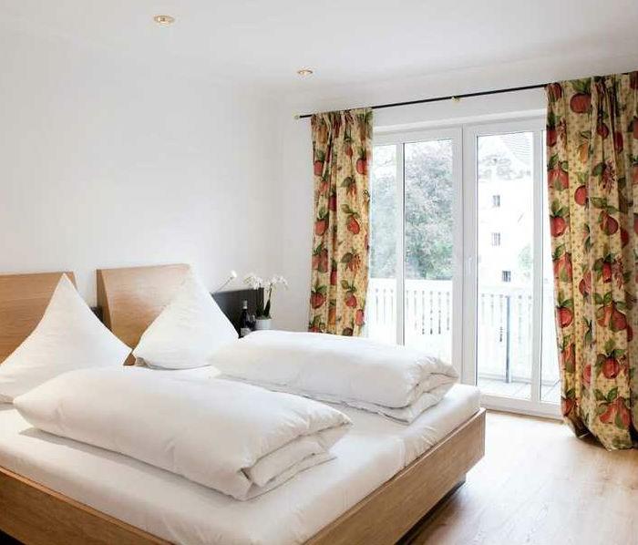 """Elegante Zimmer Hotel """"Wirtshaus am Schloss"""""""