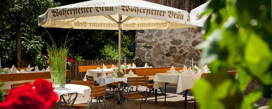 Biergarten, bayerische Gemütlichkeit, gepflegt essen und trinken