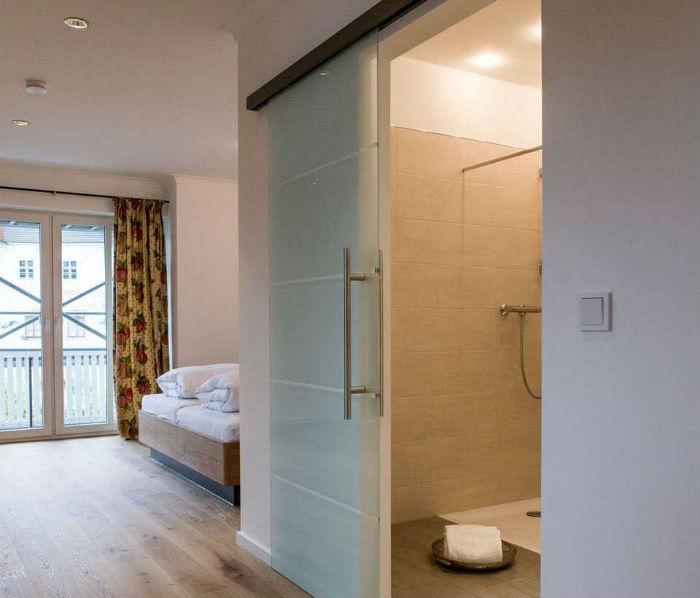 """Geräumige Zimmer Hotel """"Wirtshaus am Schloss"""", moderne Ausstattung"""